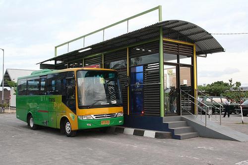 bus-trans-jogja-bandara-adisucipto