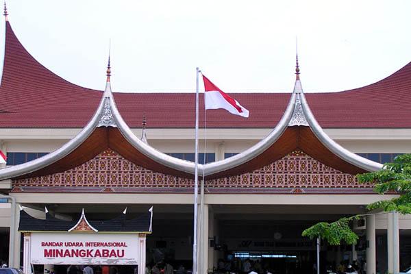 damri-bandara-minangkabau-padang